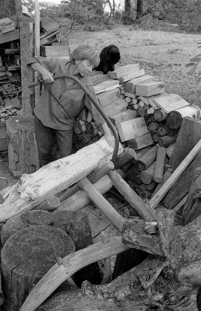 Per_olov_Jansson-Tove Jansson at Klovharu Island, 1930s