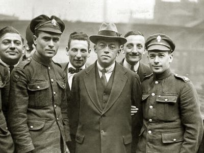 Vladimir Jabotinsky (centre). © FPG/Getty Images